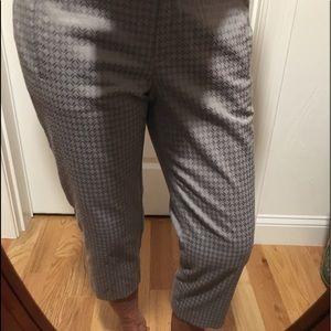 Ann Taylor loft gray Capri pants.